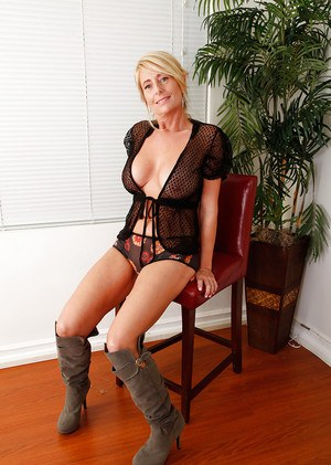 Moms In Boots Porn