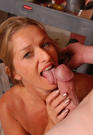 Moms Tongue Porn